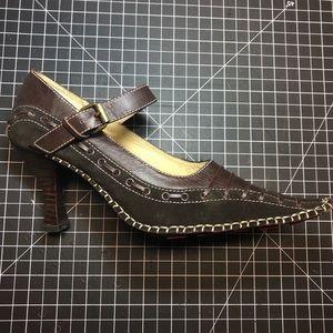 "Matiko dark brown 3"" heel size 8"
